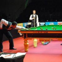 jogo de snooker entre noel e Stephen Hendry no Brazil Masters
