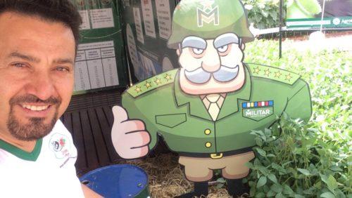 Noel faz exibição de sinuca na Innovar feira Agropecuária