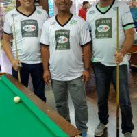 Aurélio, Silverinha e Eladio (vaca) atletas de sinuca na 17ª Copa Sul Noel Snooker