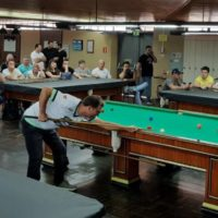Eládio na tacada na 17ª Copa Sul Noel Snooker