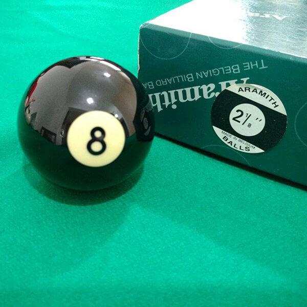Bola de bilhar número 8 da marca Aramith importada de 54mm nova